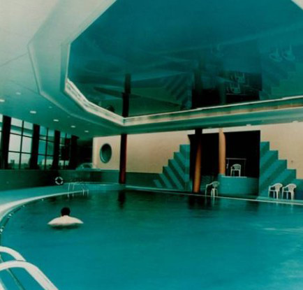 натяжные потолки в бассейне