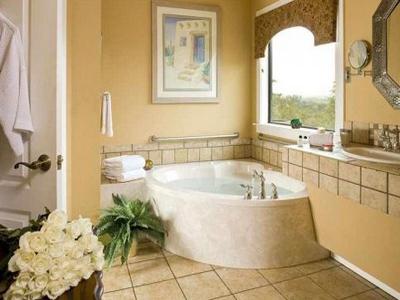 декор плитки в ванной фото