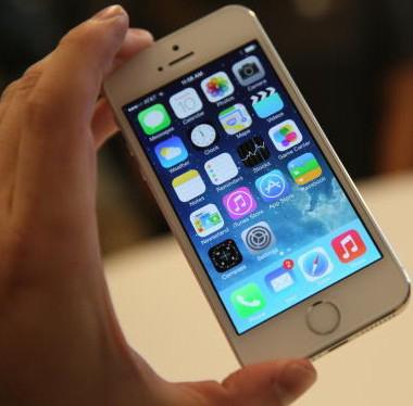 замена стекла в iPhone 5 или 5s