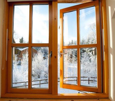 Натуральные окна для загородного дома