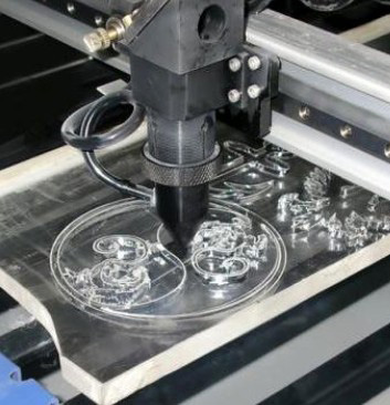 лазерная резка материалов