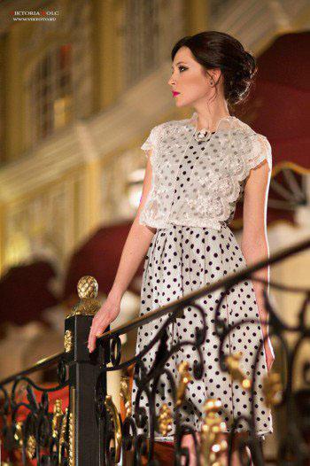 дизайнерское вечернее платье в горошек