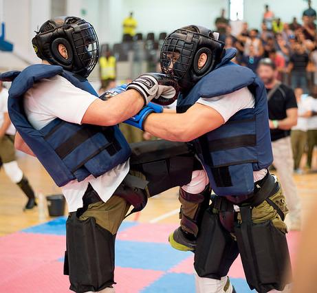 обучение самообороне с инструктором