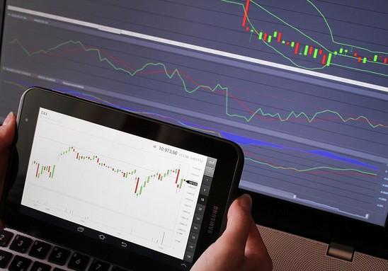 как зарабатывать на биржевых торгах